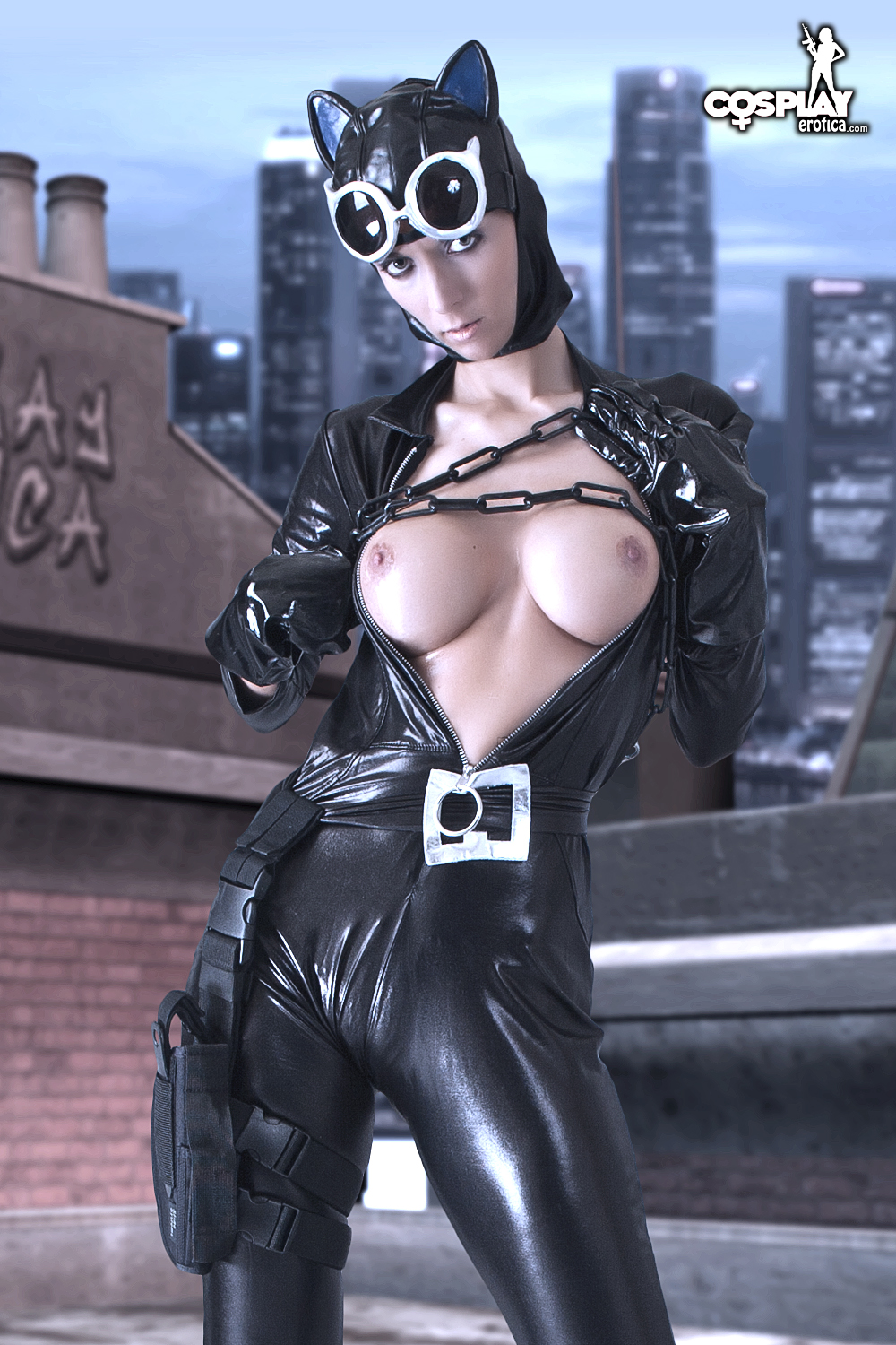 Catwoman nude cosplay